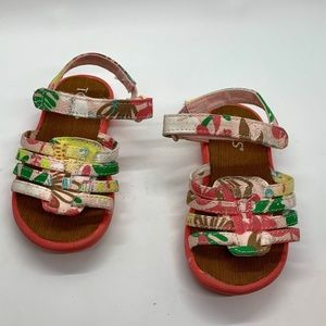 Toms infant pink w/ flowers cloth sandals